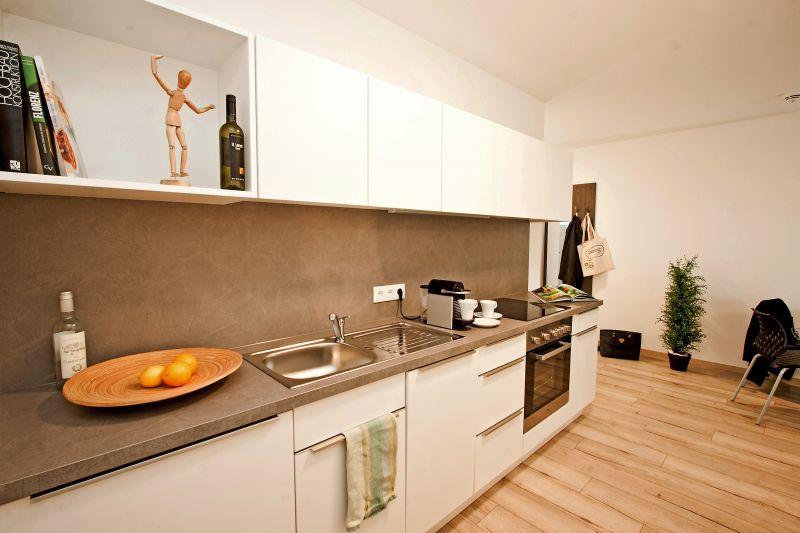 Vollmöbliertes Apartment mit All-in Miete (Größe M)