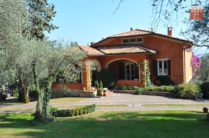 GARDONE: Mediterrane Villa in erhöhter Panoramavilla mit herrlichem Seeblick /  / 25083Gardone Riviera / Bild 1
