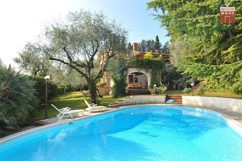 GARDONE: Mediterrane Villa in erhöhter Panoramavilla mit herrlichem Seeblick /  / 25083Gardone Riviera / Bild 0