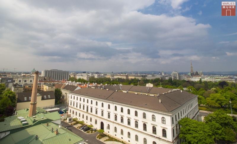 VOM STADTPARK BIS ZUM STEFFL: Exklusive Dachgeschosswohnung mit einzigartigem Blick /  / 1030Wien / Bild 1