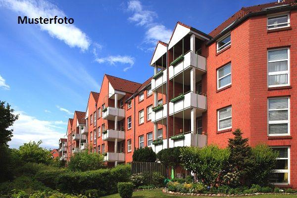 Mehrfamilienhaus mit Terrasse